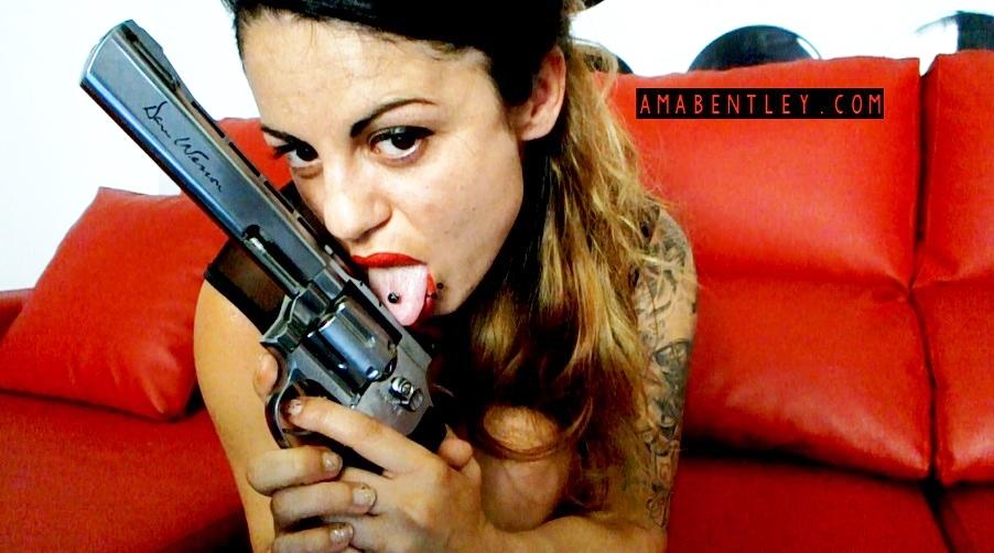 AMA BENTLEY FEMME FATALE 2