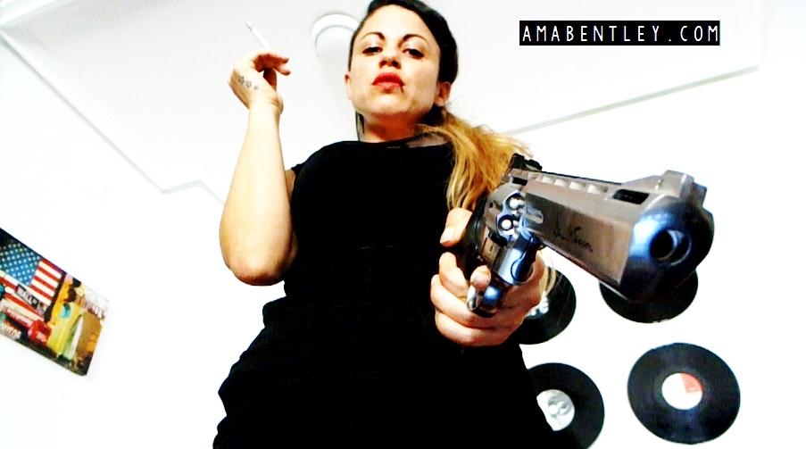 AMA BENTLEY FEMME FATALE 3