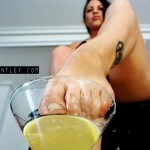 FOOT FETISH CHAMPAGNE 3